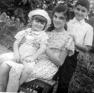 Мои родители, братья, сестра и я, самый младший. Метаморфозы