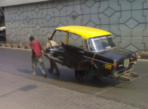 indian-funny-broken-taxi-taking-photo